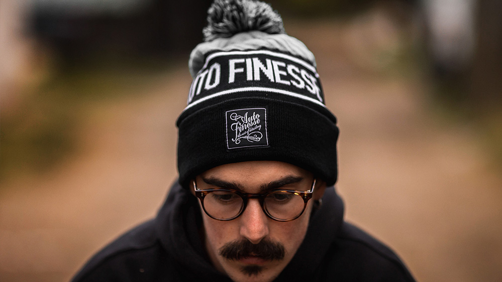 auto-finesse-bobble-knitted-beanie-4