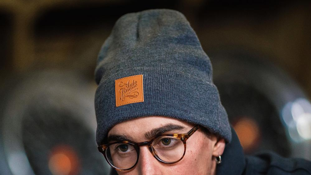 auto-finesse-knitted-beanie-dark-1